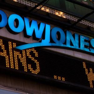 Dow futures move higher as US-China trade talks continues